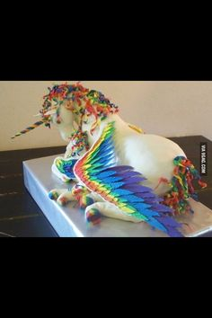 Gâteaux / gateau /gâteau / gateaux / cake  #licorne #realcake. Search Maude Desmarais for more eccentric cake / chercher Maude Desmarais pour plus de gâteaux  Licorne / unicorn