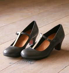I have found a pair of shoes I want desperately. Alas, they are so out of my ability to afford.    Chie Mihara Shop Online
