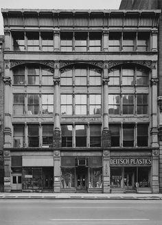 Bevan Davies, 480 Broadway, New York, 1975. Courtesy the artist and Deborah Bell Photographs, New York