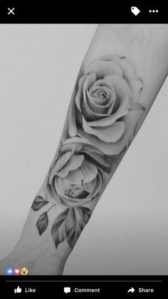 Realistic rose tatto https://t.co/LOrWqyZa3t https://t.co/nWNN4JJOXc - Raymonde_Egecioglu