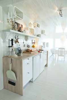 ♥ scandinavian look like kitchens ♥ @DecoCrush