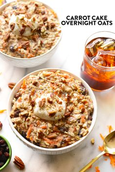 Carrot Cake Overnight Oats - A full serving of veggies at breakfast? These carrot cake overnight oats will give you just that, plus all of the delicious flavors of carrot cake! Healthy Oatmeal Recipes, Oats Recipes, Healthy Breakfast Recipes, Clean Eating Recipes, Whole Food Recipes, Cooking Recipes, Healthy Brunch, Oatmeal Flavors, Snacks Recipes