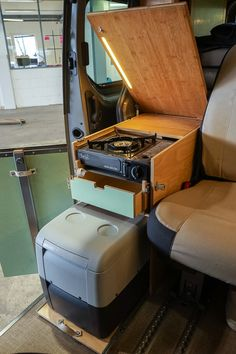16 Best RV Camper Remodel to RV Travel Trailers – camperlife… – Camping Bus Camper, Mini Camper, Camper Life, Rv Campers, Minivan Camping, Truck Camping, Van Conversion Interior, Camper Van Conversion Diy, Caravelle T5