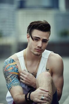 Innovative Mens Hairstyles Long On top Shaved Sides Mens Hairstyles Fade, Hipster Hairstyles, Cool Hairstyles, Formal Hairstyles, Wedding Hairstyles, Medium Hair Styles, Short Hair Styles, Hipster Haircuts For Men, Boy Haircuts