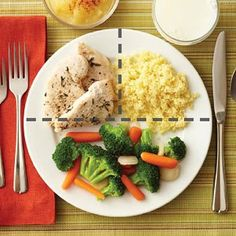 You can combine simple, healthy foods to make a variety of quick and easy meals that are appropriate for anyone, especially people with diabetes. Healthy Foods To Make, Healthy Meal Prep, Healthy Snacks, Healthy Eating, Diet Recipes, Healthy Recipes, Health Dinner, Food Inspiration, Clean Eating