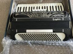 Gaudini (1950s/60s) Retailer based in London but with accordions made in Italy.