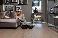 Parkett Eik Vinje by Halvor Bakke - Gulvdeal Designers Guild, Work Surface, Modern Kitchen Design, Couch, Furniture, Home Decor, Settee, Decoration Home, Sofa