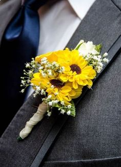Sunflower boutonniere are perfect for a summer wedding Wedding Themes, Wedding Tips, Fall Wedding, Wedding Events, Rustic Wedding, Our Wedding, Wedding Planning, Dream Wedding, Wedding Decorations