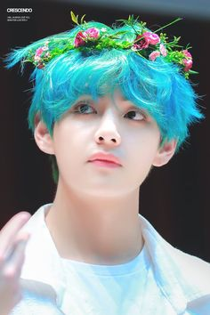Kim Taehyung an art student and model who loves to crossdress and has a soft spot for kids met Jeon Jungkook, the busy CEO who has a son named Jeon Junho who n. Bts Taehyung, Kim Seokjin Bts, Namjoon, Bts Kim, Bts Bangtan Boy, Foto Bts, Bts Photo, Kpop, Fansign Bts