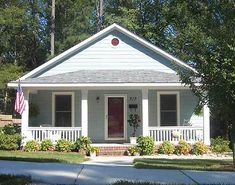 Decorating Your American Bungalow Style House Small Bungalow, Bungalow Homes, Bungalow House Plans, Craftsman House Plans, Small House Plans, Bungalow House Design, Craftsman Kitchen, Br House, House With Porch