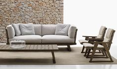 Sofas: GIO – Collection: B&B Italia Outdoor – Design: Antonio Citterio