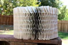 Rhymes With Magic: Honeycomb Book - Tutorial Folded Book Art, Book Folding, Paper Art Projects, Paper Crafts, Old Book Crafts, Book Lamp, Ways To Recycle, Repurpose, Honeycomb Paper
