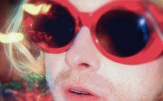 """Nirvana toca para uma plateia de duas pessoas em novo clipe de """"Montage of Heck"""""""