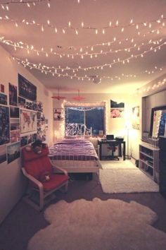 37 Lovely Dorm Room Organization Ideas - Page 21 of 39 Comfy Bedroom, Stylish Bedroom, Bedroom Decor, Bedroom Ideas, Bedroom Lighting, Cute Dorm Rooms, Cool Rooms, Dorm Room Organization, Organization Ideas