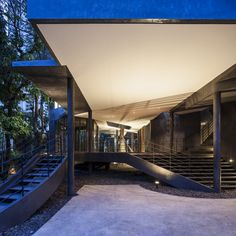 Divergence House / FOS