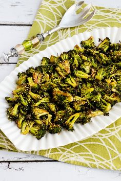 Quick Roasted Broccoli with Soy Sauce and Sesame Seeds (Video) – Kalyn's Kitchen Roasted Broccoli Recipe, Fried Broccoli, Broccoli Recipes, Broccoli Stems, Recipes With Soy Sauce, Wine Recipes, Whole Food Recipes, Healthy Recipes, Keto Recipes