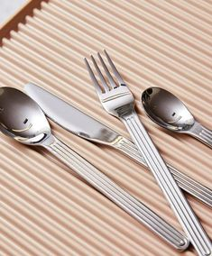 Explore Sunday flatware designed by Swiss design studio BIG-GAME for HAY, with fluted handles and made of durable stainless steel. Hay Design, Design Lab, Outdoor Furniture Design, Swiss Design, School Furniture, Lighting Sale, Flatware Set, Cutlery, Rug Sale