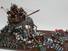 The posable, brick-built oliphaunt (so called by Hobbits; called mûmak by men) certainly dominates the scene, but there are many more details to pore over in this great creation.