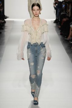 Jonathan Simkhai Herbst 2017 Ready-to-Wear-Modenschau NYFW New York Fashion Week - Happy Style New York Fashion, Fashion Mode, Fashion Week, Fashion 2017, Denim Fashion, Look Fashion, Runway Fashion, Trendy Fashion, High Fashion