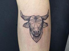 13 Mejores Imágenes De Toro Tattoo En 2019 Taurus Bull Tattoos Y