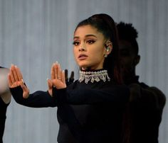 Ariana Grande performs at the Dangerous Woman Tour on February 2017 in Phoenix, Arizona. Ariana Grande Meme, Ariana Grande Fotos, Cat Valentine, Dangerous Woman Tour, Broadway, Ariana Grande Wallpaper, Bae, Reaction Pictures, Role Models
