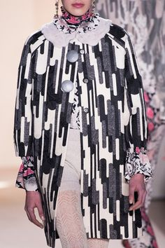 Graphic Print – Details from the Blugirl Fall Winter 2016/2017 Fashion Show #mfw