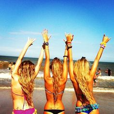 I want a friend picture like this!