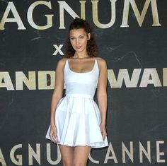 Bella Hadid Bella Gigi Hadid, Bella Hadid Style, Chic Outfits, Summer Outfits, Fashion Models, Fashion Beauty, Model Look, Event Dresses, Looking For Women