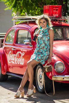 LOOKSLY - Camila Milagres com vestido estampado de golinha alta do Verão 2017