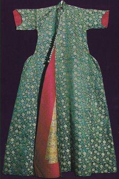 Silk kaftan. Ottoman, c. 18th century.