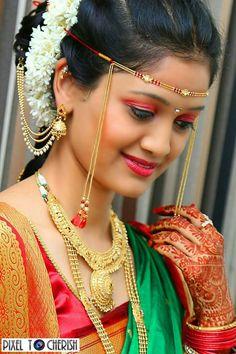 Indian Bridal Photos, Indian Wedding Poses, Wedding Couple Poses, Indian Bridal Fashion, Indian Bridal Makeup, Indian Wedding Photography, Marathi Bride, Marathi Wedding, Saree Wedding