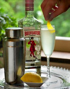 The French 75 2 ounces gin 1/2 ounce lemon juice 1/2 ounce simple syrup Bubbly as needed Lemon twist Combine gin, lemon juice, and simple syrup in a shaker with ice.  Swirl till thoroughly chilled. Strain into a chilled champagne flute. Top with sparkling wine. Garnish with a twist.