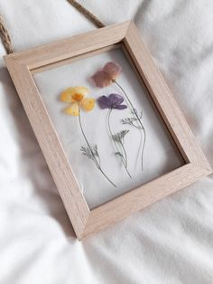 #pressedflowerframe #pressedflowerart Pressed Flower Art, Art Pictures, Find Art, Poppies, Frame, Flowers, Inspiration, Home Decor, Art Images