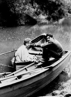 Greta Garbo and John Gilbert (1927). | vintage | boat | resting | nature | actors | chaplin |