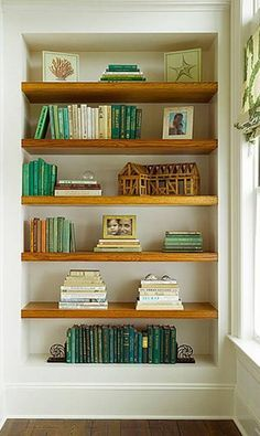 !!!My point exactly! white walls + wood shelves! Perfect!!!  Lovely #built-in shelves