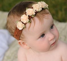 Venda de la flor del bebé crema satinado por PetalnPearlBoutique, $14.95