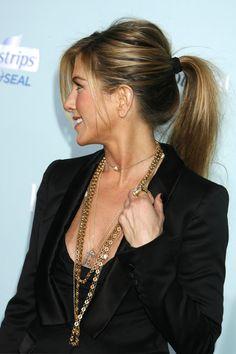 4 jeitos de mudar seu cabelo: pegue um pente fino e desfie, um volumezinho sempre dá um charme extra