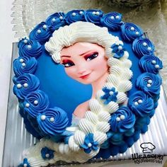 Birthday Cake Pictures For Girl Beautiful, Disney, Frozen And Barbie Pretty Cakes, Cute Cakes, Beautiful Cakes, Elsa Birthday Cake, Frozen Birthday Party, 4th Birthday, Princess Birthday, Bolo Super Man, Bolo Elsa