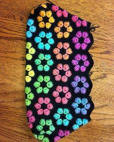 atolye_orgu:: #knitting#knittersofinstagram#crochet#crocheting#örgü#örgümüseviyorum#kanavice#dikiş#yastık#blanket#bere#patik#örgüyelek#örgü#örgübattaniye#amigurumi#örgüoyuncak#vintage#çeyiz#dantel#pattern#motif#home#yastık#severekörüyoruz#örgüaşkı#pattern#motif#tığişi#çeyiz#evdekorasyonu