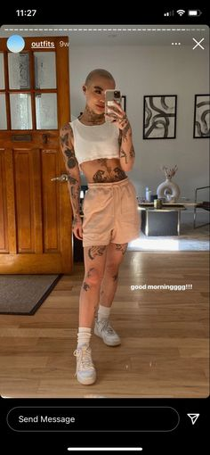Bald Girl, Capri Pants, Hipster, Normcore, Fitness, Skirts, Outfits, Style, Baby