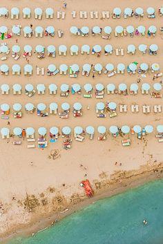 Italian Beach Resorts In Adria / Bernhard Lang