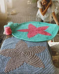 Alfombras estrella www.susimiu.es Love Crochet, Diy Crochet, Crochet Crafts, Crochet Doilies, Crochet Rugs, Knitting Projects, Crochet Projects, Cotton Cord, Deco Kids