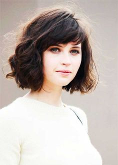 Cute Short Bob Hairstyles for Thick Wavy Hair-1