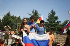 Moscow: 10 Mil russos, ucranianos e artistas em rally contra invasão iminente da Ucrânia - Saulo Valley Notícias