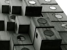 Nakagin Capsule Tower, Kisho Kurokawa