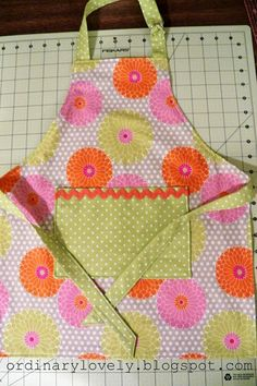 Toddler Apron Tutorial - easy to sew kids apron!!!