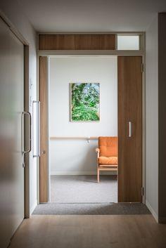 介護付有料老人ホーム あべやま : UMA / design farm Medical Center, Health Care, Interiors, Interior Design, Space, Architecture, Furniture, Home Decor, Colors