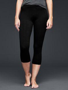 2da7da16b258c0 Pure Body crop leggings Gap Women, Joggers, Lounge Wear, Capri Pants, Pure
