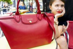 French blogger The Brunette / Emilie has created Longchamp looks on her blog, starring Le Pliage Héritage