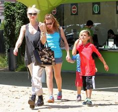 Gwen Stefani takes her boys Kingston and Zuma to the Natural History Museum